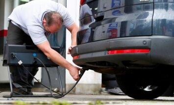 ES ministriem nav vienprātības jauno automobiļu kaitīgo izmešu samazināšanas jautājumā
