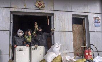 Ja separātisti izpildīs ārvalstu komandas, ieņemto ēku Luhanskā varētu atbrīvot ar spēku, pieļauj amatpersona