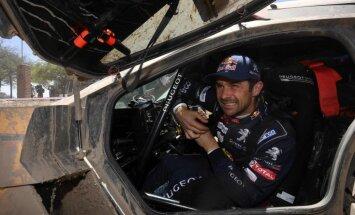 Desprē izcīna pirmo Dakaras rallija ātrumposma uzvaru, Praisam smaga avārija