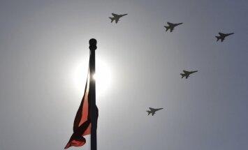 Ķīna noliegusi neprofesionālu rīcību, pavadot ASV izlūkošanas lidmašīnu