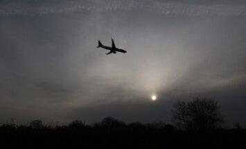 10 dīvaini traģisku lidmašīnu avāriju iemesli