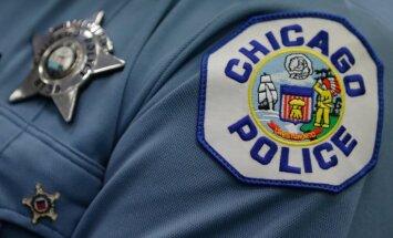 Par šokējošu uzbrukumu 'Facebook' tiešraidē Čikāgā aizturētas četras personas