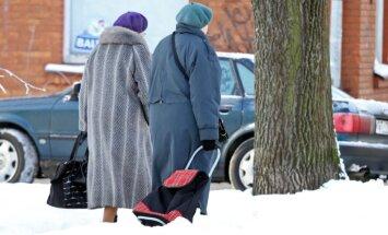 Iedzīvotāju priekšlaicīga mirstība Latvijā samazinās; joprojām augstākā ES