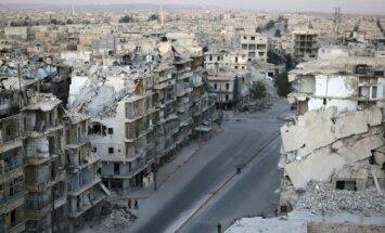 Vienošanās par evakuāciju apdraudēta – Alepo atsākušās kaujas