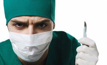 Seši ārsti sadala miljonus – dakteris kritizē finansējuma piešķiršanu plastiskajā ķirurģijā