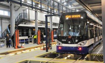 Rīgas satiksme для реализации инвестпроектов заложило рельсы и трамвайные вагоны