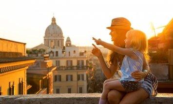 7 ieteikumi, kas atvieglos ceļošanu ar bērniem
