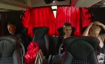 Negaidīts pavērsiens saimniekšovā: Aivars ceļojumā dodas ar divām meitenēm