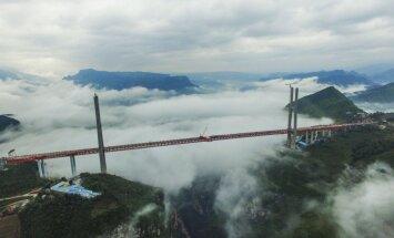 Ķīnā atklāts pasaules augstākais tilts