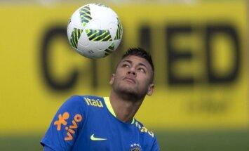 Spānijas Futbola līga gatava bloķēt Neimara pāreju uz 'PSG'