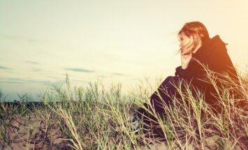 Pieci iemesli, kādēļ mātes nemīlētas meitas izvēlas nepareizos partnerus