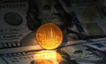 Krievija rubļa glābšanai stundas laikā iztērē vairāk nekā vienu miljardu ASV dolāru