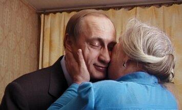Karlovi Varu festivālā godalgotā filma 'Putina liecinieki' iekļauta Riga IFF