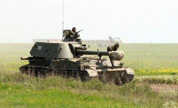Prokremliskie kaujinieki smago artilēriju pārvietojuši uz fronti, apstiprina EDSO