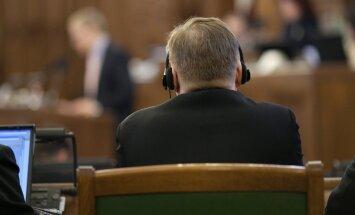 Ētikas kodeksu pārkāpušos deputātus varēs izslēgt no Saeimas sēdēm