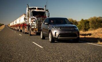 Video: 'Land Rover Discovery' velk 110 tonnu auto sastāvu