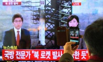 Ziemeļkoreja veiksmīgi palaiž tāla darbības rādiusa raķeti