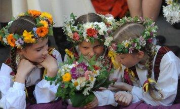 Eslingenā atklāti vērienīgie jubilejas Dziesmu svētki