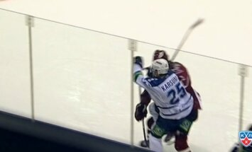 Video: Ozoliņa spēka paņēmiens pret Karsumu KHL septembra topā