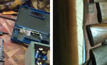 Trijās dzīvojamās mājās Salas novadā atrod nelikumīgu šaujamieroču glabātuvi