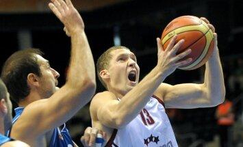 Strēlnieks ar desmit punktiem sekmē 'Brose Baskets' kārtējo uzvaru Vācijas bundeslīgas spēlē