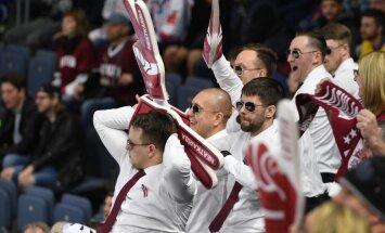 Dejas, tērpi un izkliegta rīkle – 'Delfi Aculiecinieks' mudina iemūžināt atbalstu Latvijas hokejistiem