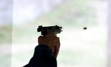 ASV policisti nošāvuši vīrieti, kurš lielveikalā pētījis pneimatisko ieroci