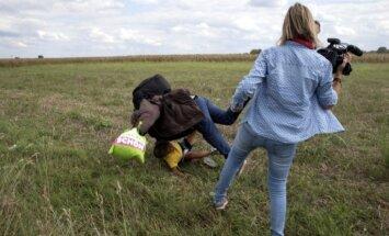 Ungāru 'televīzijas operatore - migrantu gāzēja' atlaista no darba