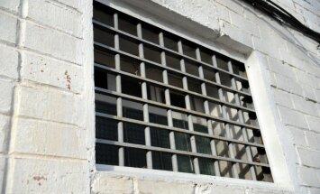 Par karošanu Sīrijā aizdomās turētais joprojām atrodas apcietinājumā