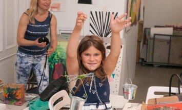 Pie Mākslas muzeja bērnus aicina piedalīties laikmetīgās spēlēs kopā ar māksliniekiem