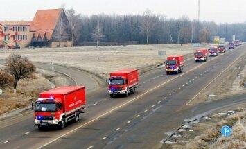 Foto: Poļu humānās palīdzības kolonna ierodas Harkovā