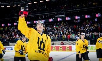 Lietuvas hokeja izlase turpina uzvarēt pasaules čempionātā savās mājās