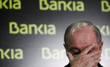 Avīze: Spānijā noguldītāji masveidā izņem naudu no grūtībās nonākušās 'Bankia'