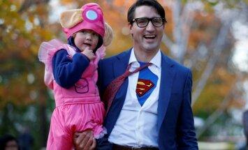 Pasauli sajūsmina Kanādas premjera Helovīna kostīms