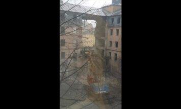 Darba inspekcija saskata pārkāpumus Jeruzalemes ielas ēkas nojaukšanas darbos