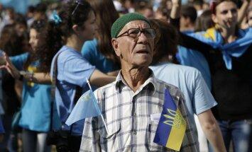 Krimas tatāri kritizē vietējo varasiestāžu vēršanos pret proukrainiskajiem aktīvistiem