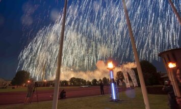 Fotoreportāža: Ventspilī ar krāšņu ceremoniju atklāj Latvijas Jaunatnes olimpiādi