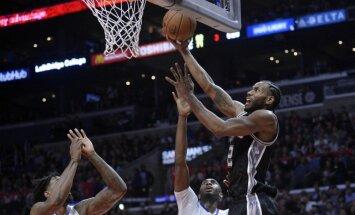 Bertāns netiek laukumā 'Spurs' zaudējumā 'Clippers'