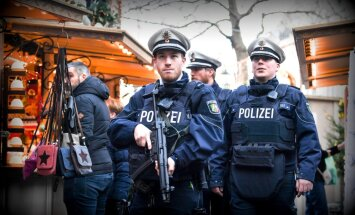Vācijā valdības ēkā atrasts sainis ar granātu