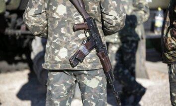 Ukrainas pierobežā izvietoti gandrīz 100 000 Krievijas karavīru, apgalvo amatpersona