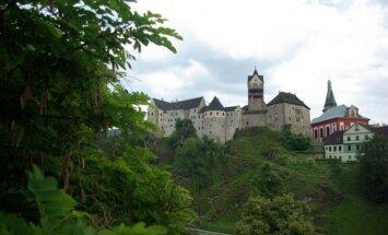 Bohēmijas lepnums – Loketas pils, kuras pagalmā mīt drusku mantkārīgs rūķis
