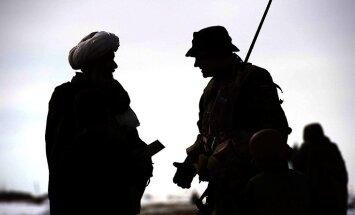 Iespējamā afgāņu karavīru uzbrukumā nogalināti divi NATO vadīto spēku pārstāvji