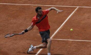 Гулбис впервые за два сезона пробился в четвертьфинал турнира АТР