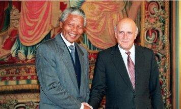 Ārsti ieteikuši atslēgt Mandelas dzīvības uzturēšanas iekārtas