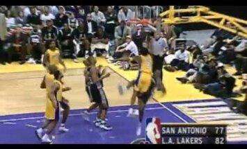 Video: NBA Ziemassvētku TOP 12 galvgalī Maikls Džordans, Lebrons Džeimss un Kobe Braiants