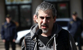 """Адвокат: Линдермана задержали из-за речи на """"Вселатвийском родительском собрании"""""""