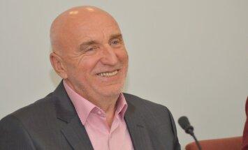 Bijušais premjers Godmanis strādās 'Olainfarm' padomē
