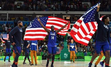 DeMarcus Cousins, Draymond Green, DeAndre Jordan celebrate win USA