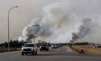 Pastāv bažas, ka Kanādas ugunsgrēku liesmas var izplesties vēl vairāk