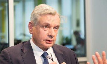 Šadurskis par pakāpenisku pāreju uz mācībām latviski: labāk vēlu nekā nekad